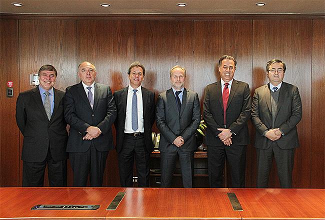La firma se realizó en las oficinas de ENAP el viernes 19 de mayo.